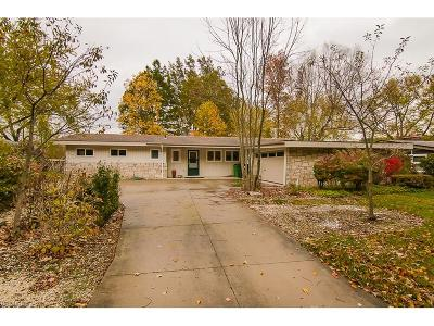 Chagrin Falls Single Family Home For Sale: 270 Hickory Hill Rd