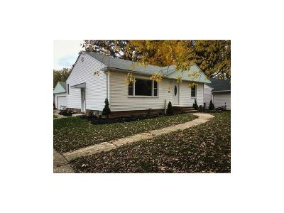 Willowick Single Family Home For Sale: 375 Bayridge Blvd