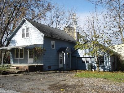 Middlefield Single Family Home For Sale: 15984 Mill St