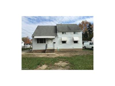 Maple Heights Single Family Home For Sale: 6075 Dunham Rd