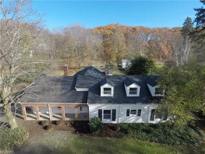 Lake County Single Family Home For Sale: 15 Wintergreen Hill Dr