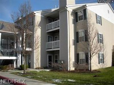 Westlake Condo/Townhouse For Sale: 28360 Center Ridge Rd #2010