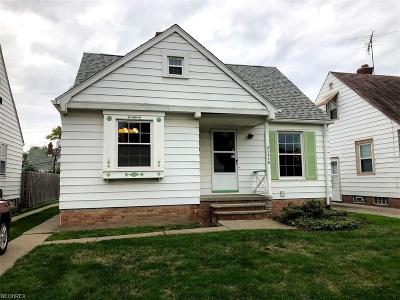 Maple Heights Single Family Home For Sale: 21518 Kenyon Dr