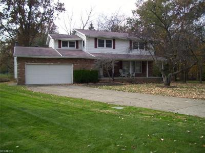 Willoughby Single Family Home For Sale: 5546 Ericson Ln