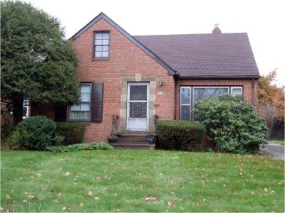 South Euclid Single Family Home For Sale: 3770 Colony Rd