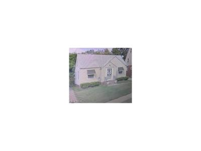 Bratenahl Single Family Home For Sale: 13825 Lake Shore Dr