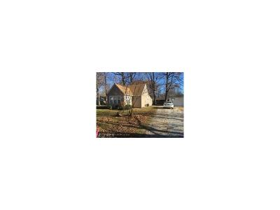 Mentor Single Family Home For Sale: 5575 Green Oak