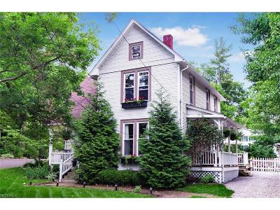 Licking County Single Family Home For Sale: 326 West Maple St
