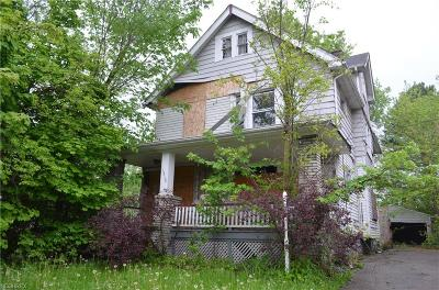 Cleveland Single Family Home For Sale: 11818 Parkview Ave