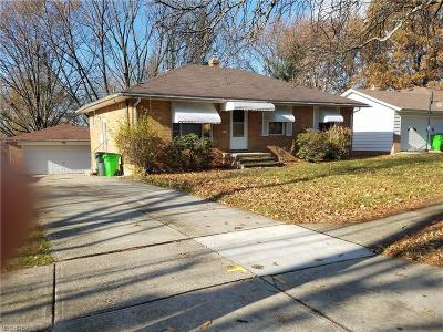 Garfield Heights Single Family Home For Sale: 5010 Donovan Dr
