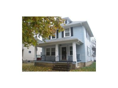 Elyria Single Family Home For Sale: 458 Oxford Ave
