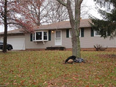 North Royalton Single Family Home For Sale: 3218 Jupiter Dr