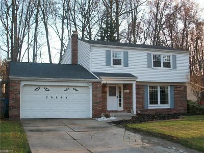 North Olmsted Single Family Home For Sale: 29555 Bretton Ridge Dr