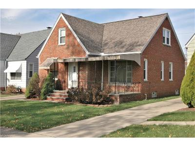 Parma Single Family Home For Sale: 8004 Dartworth Dr