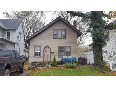 Ashtabula Single Family Home For Sale: 836 Center St