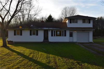 Ashtabula County Single Family Home For Sale: 2757 Pinney Topper Rd