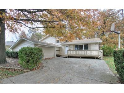 Willoughby Single Family Home For Sale: 5371 Oak Ridge Dr