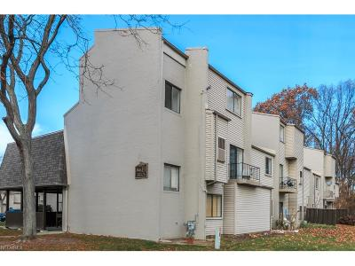 Willoughby Condo/Townhouse For Sale: 38325 North Ln #H202