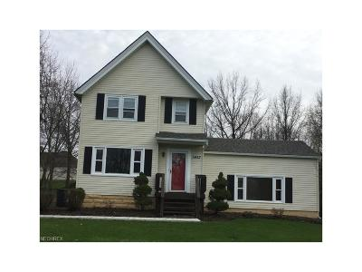 Highland Heights Single Family Home For Sale: 5452 Highland Rd