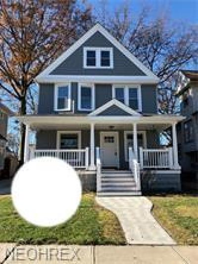 Lakewood Single Family Home For Sale: 1484 Elmwood Ave