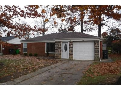 Mayfield Heights Single Family Home For Sale: 1763 Longwood Rd