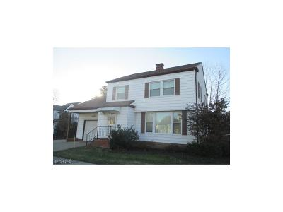 Beachwood Single Family Home For Sale: 23090 Greenlawn Ave