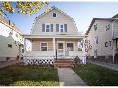 Lakewood Single Family Home For Sale: 1551 Orchard Grove Ave