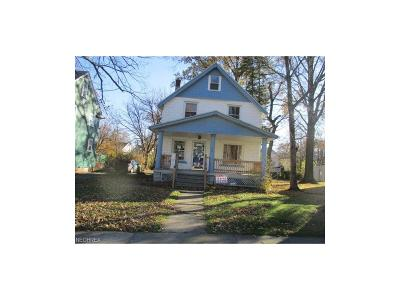 Cleveland Single Family Home For Sale: 861 Caledonia Ave
