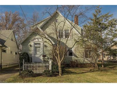 Lyndhurst Single Family Home For Sale: 1658 Sunview Rd