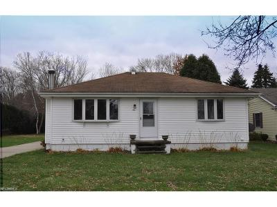 North Olmsted Single Family Home For Sale: 26179 Kennedy Ridge Rd