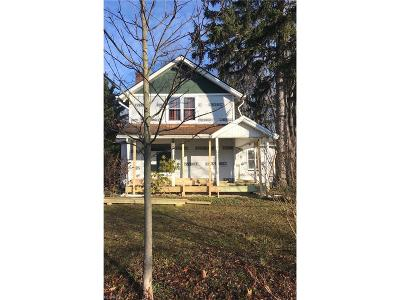 Aurora Single Family Home For Sale: 343 East Garfield Rd
