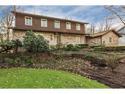 Pepper Pike Single Family Home For Sale: 26 Hunting Hollow Dr