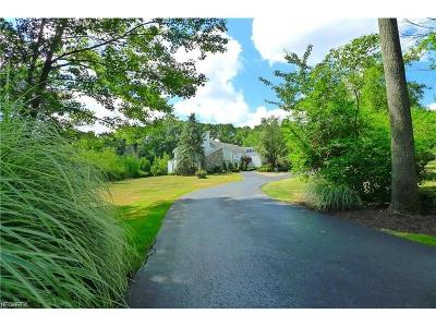 Moreland Hills Single Family Home For Sale: 70 Cableknoll Ln