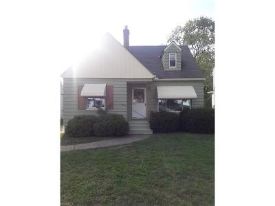 Maple Heights Single Family Home For Sale: 5138 Cato St