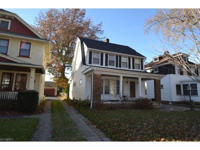 Lakewood Single Family Home For Sale: 2062 Baxterly Ave