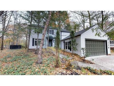 Cuyahoga County Single Family Home For Sale: 1579 Compton Rd