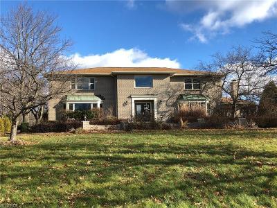 Pepper Pike Single Family Home For Sale: 2449 Cedarwood Rd