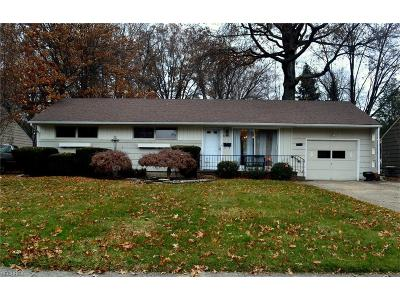 North Olmsted Single Family Home For Sale: 23530 Westchester Dr