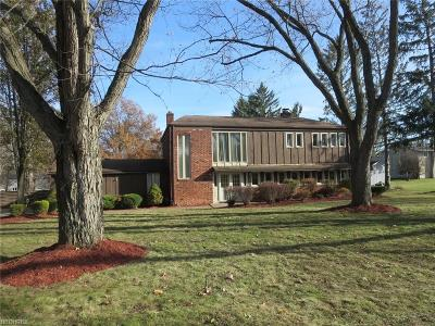 Brecksville, Broadview Heights Single Family Home For Sale: 7779 Coachman Ct