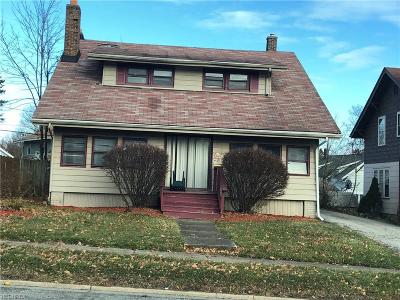 Youngstown Single Family Home For Sale: 2136 East Midlothian Blvd