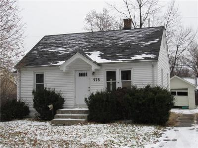 Willoughby Single Family Home For Sale: 975 Tioga Trl