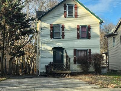 Youngstown Single Family Home For Sale: 3444 Belden Ave