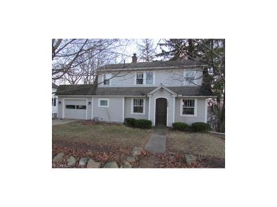 Chagrin Falls Single Family Home For Sale: 100 East Summit St