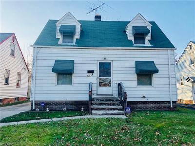 Single Family Home For Sale: 1454 East 221st St