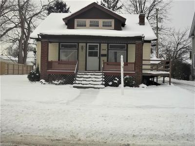 Parma Single Family Home For Sale: 6418 Monmouth Dr