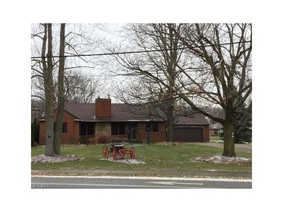 North Olmsted Single Family Home For Sale: 5654 Columbia Rd