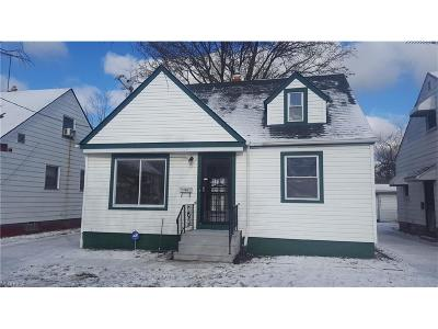 Cleveland Single Family Home For Sale: 17805 Grovewood Ave