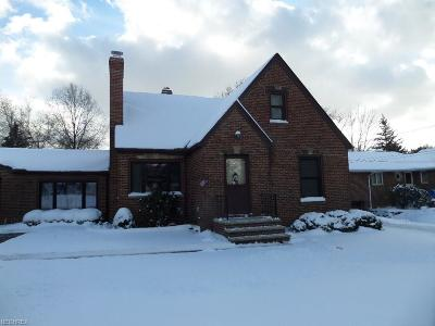 Cleveland Single Family Home For Sale: 5803 West Pleasant Valley Rd
