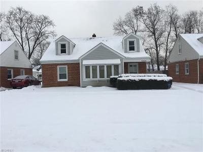 Mayfield Heights Single Family Home For Sale: 1319 Washington Blvd