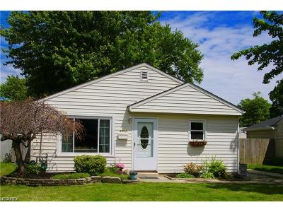 Mentor Single Family Home For Sale: 5053 Belle Meadow Rd